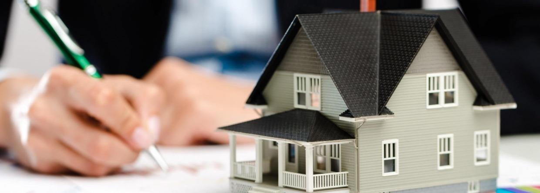 Contract tekenen voor bouw van huis