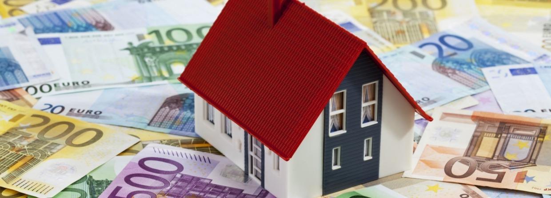 Modelhuis staat op euro geld biljetten